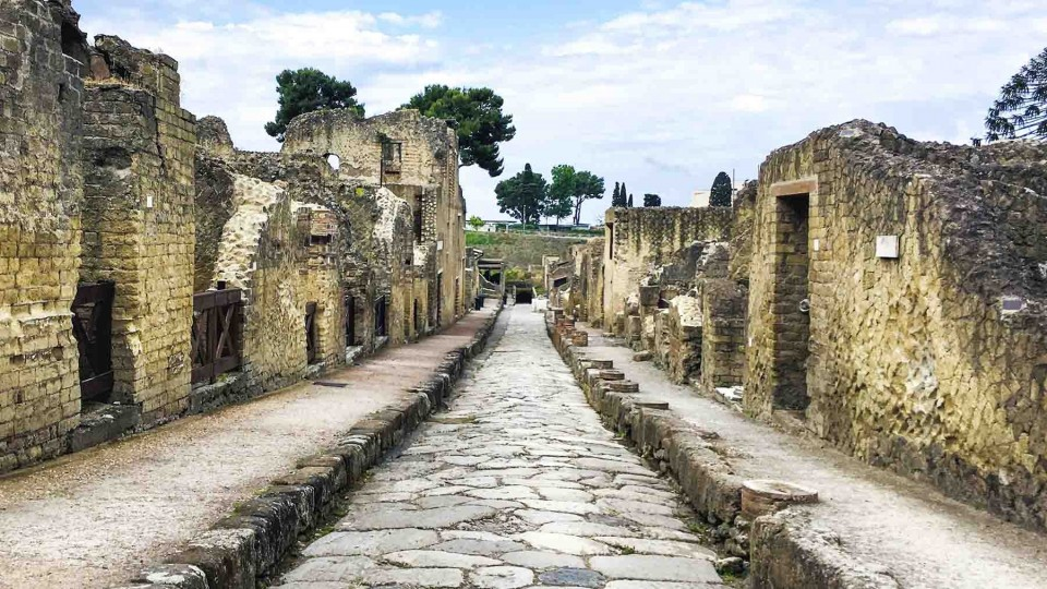 Post Tour for discovering Herculaneum: visit with us one of the most important archaeological sites in the world