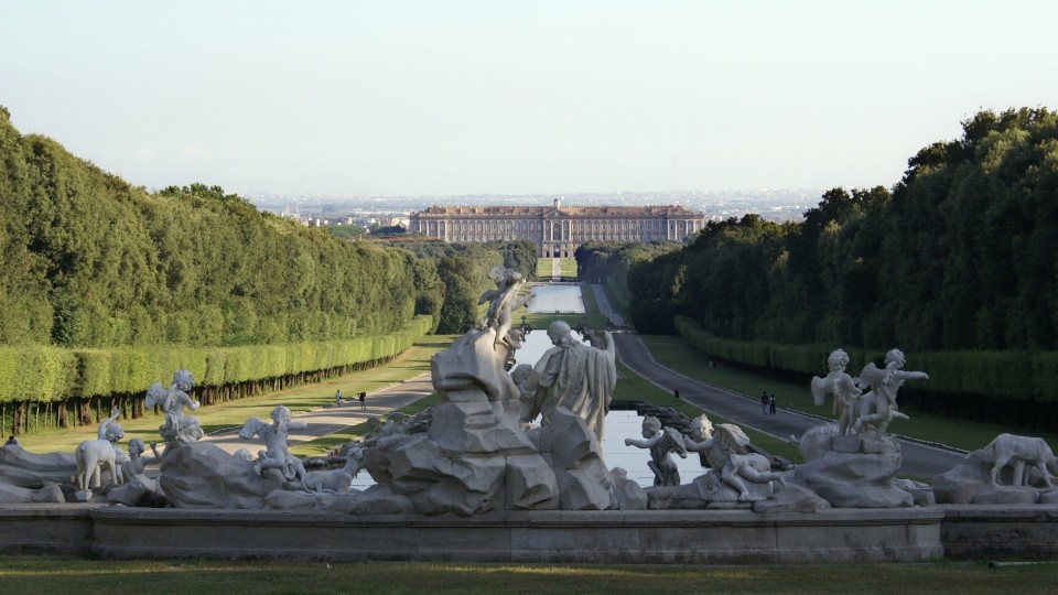 Post Caserta Palace: history and curiosity about the royal palace of Caserta